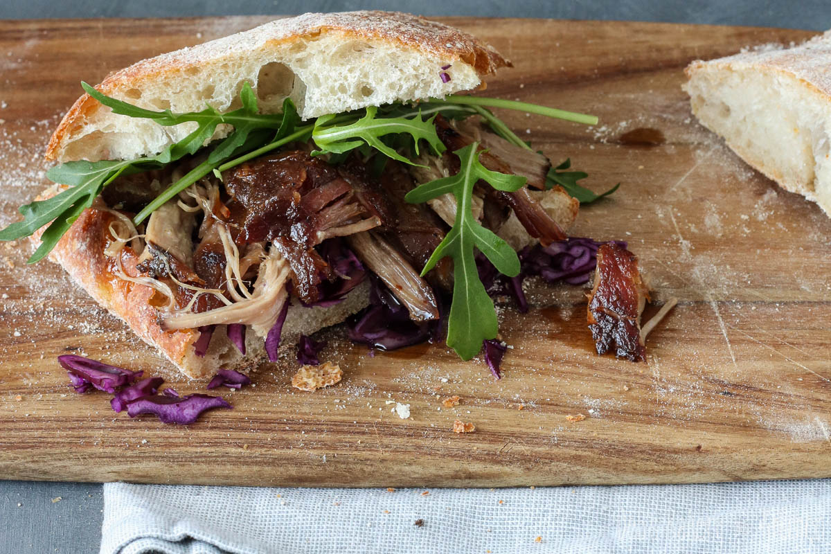 pulled pork met red coleslaw
