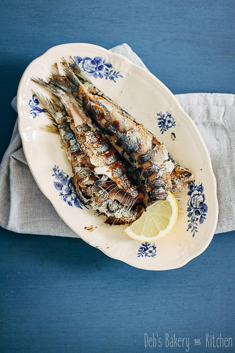 Gegrilde sardines en pasta met gesmoorde broccoli