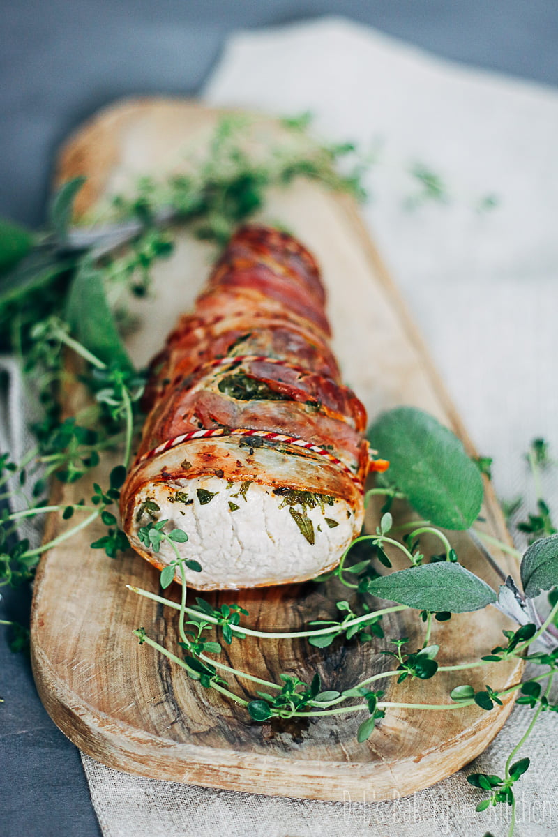 Varkenshaas met kruiden en pancetta