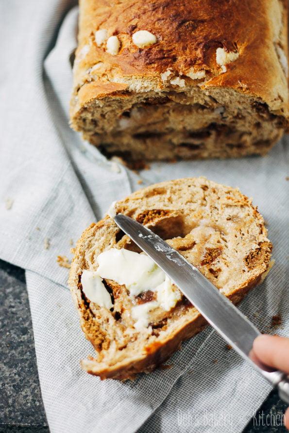 Sinterklaas suikerbrood met kruidnoten