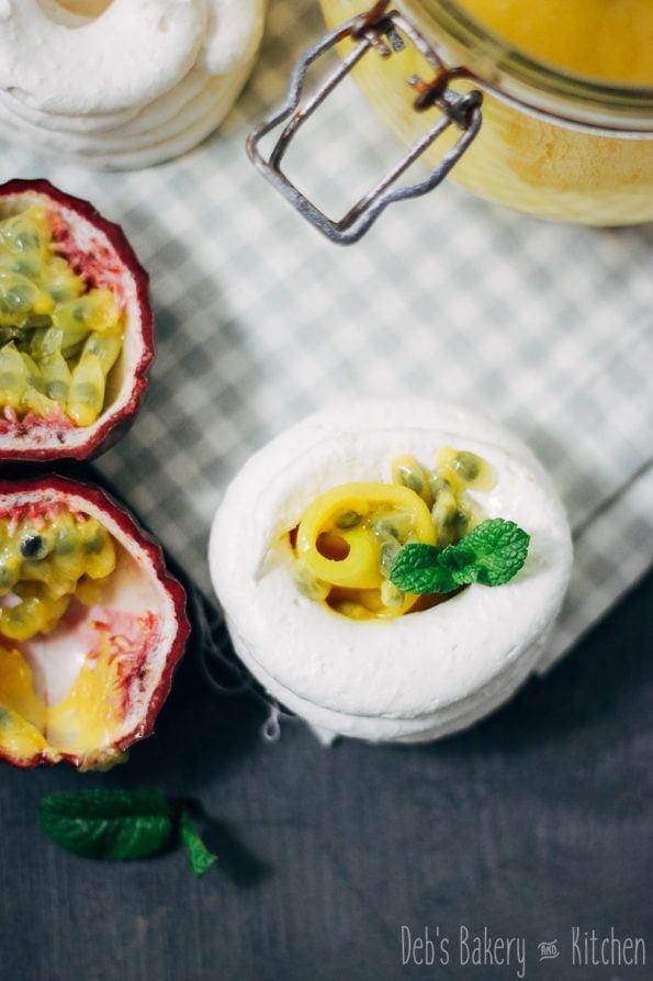 Kokos meringues met ananas curd