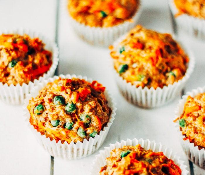 Hartige muffins met cheddar en doperwten