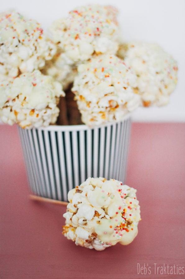 Popcorn lollies
