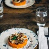 stamppot met knolselderij, oesterzwammen en pecannoten