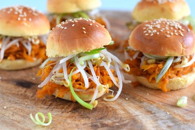 Pulled-carrot-met-hoisin-en-tauge-Anniepannie