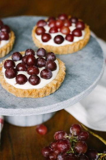 witte chocolade tartelettes met druiven