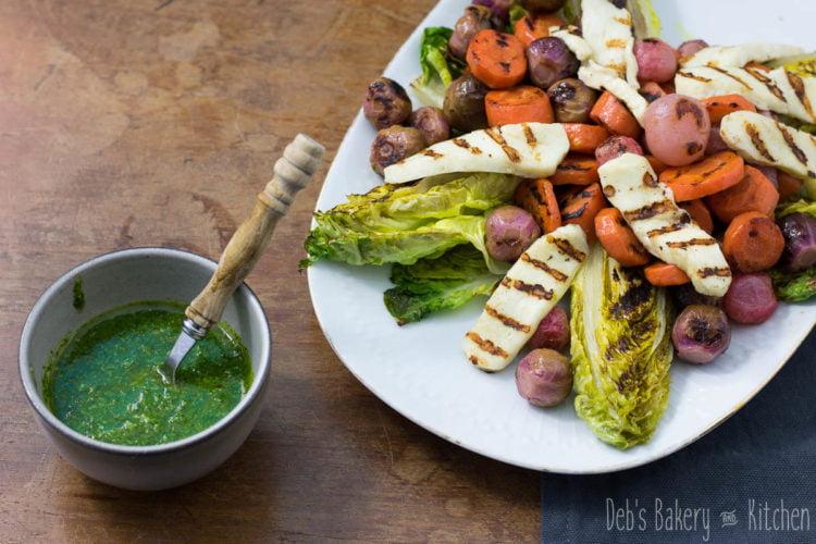 gegrilde, gepekelde groente met halloumi