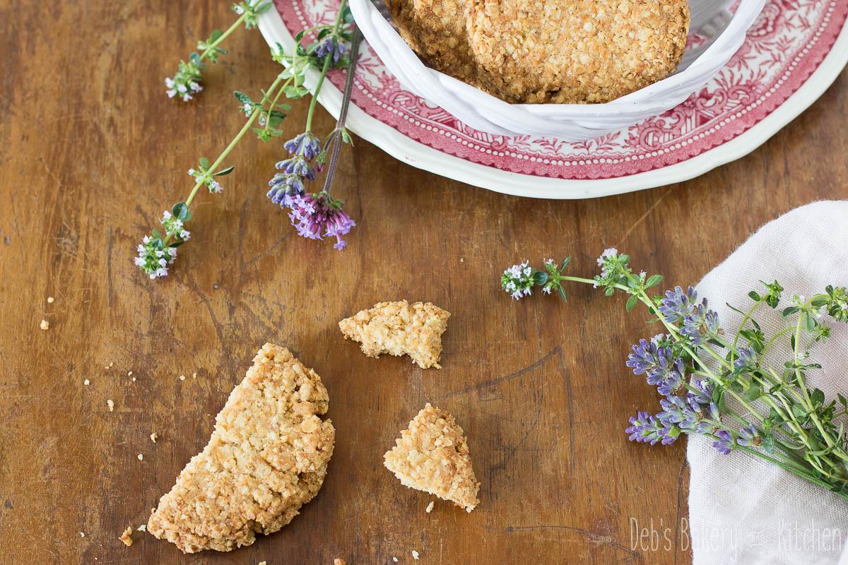 Flakemeal biscuits uit het Brits bakboek