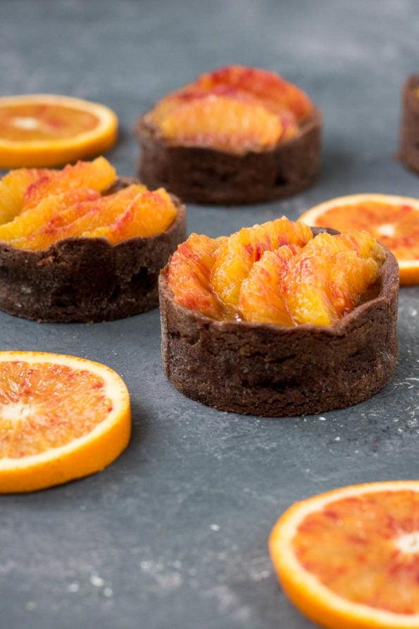 chocolade taartjes met bloedsinaasappel