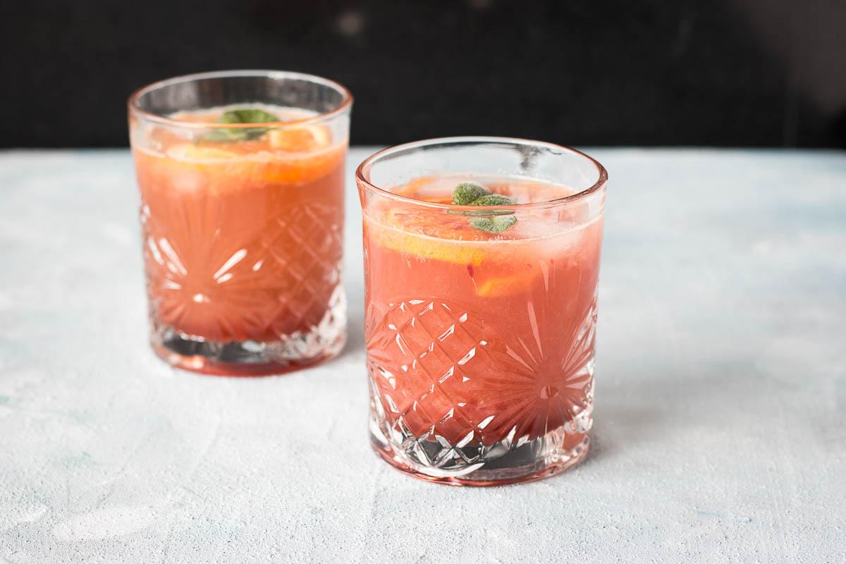 Frisse aardbeien bloedsinaasappel mocktail