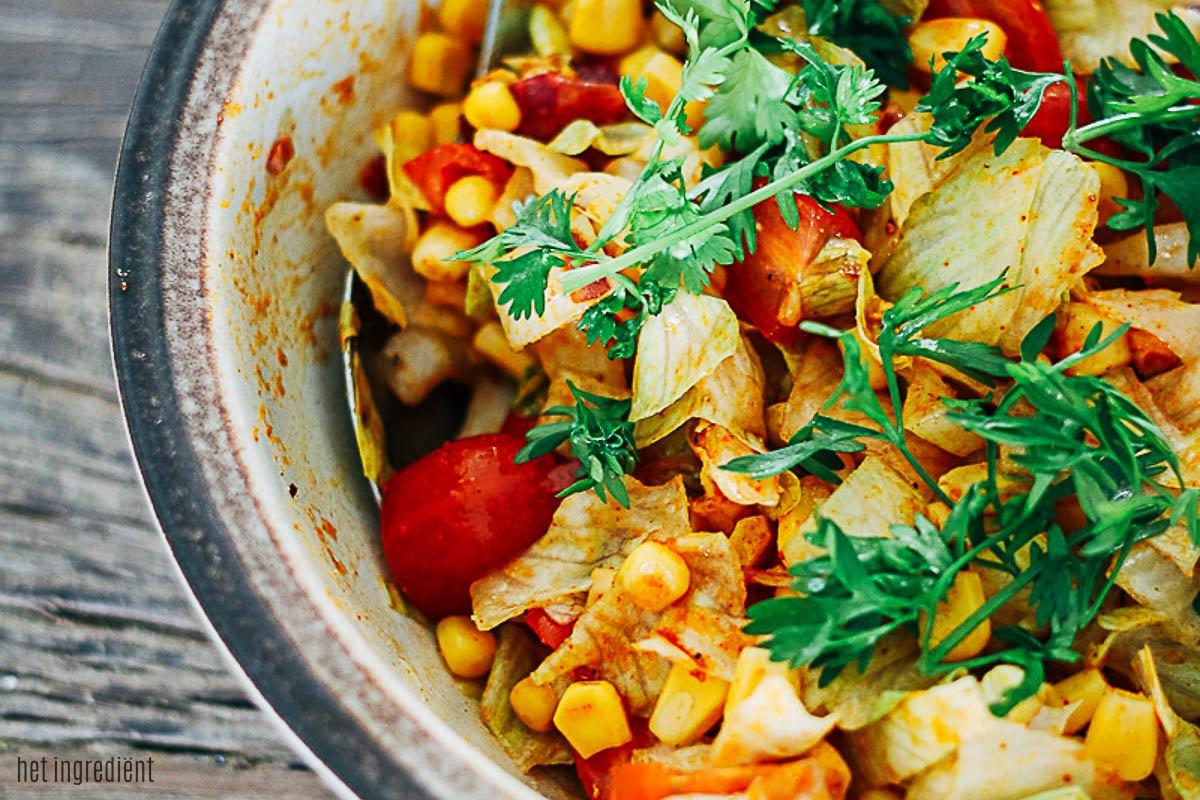 Maissalade met tomaat en koriander