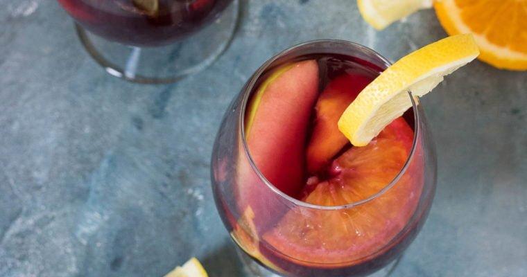 De lekkerste Spaanse sangria  maak je zelf