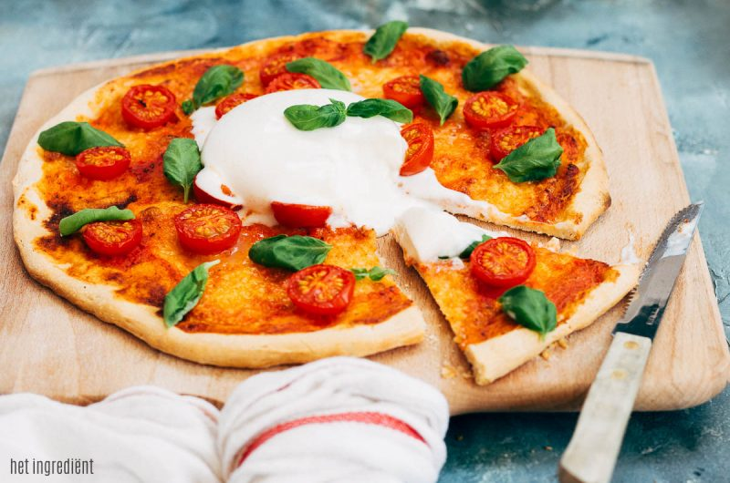 Pizza met Honingtomaten®, basilicum en burrata
