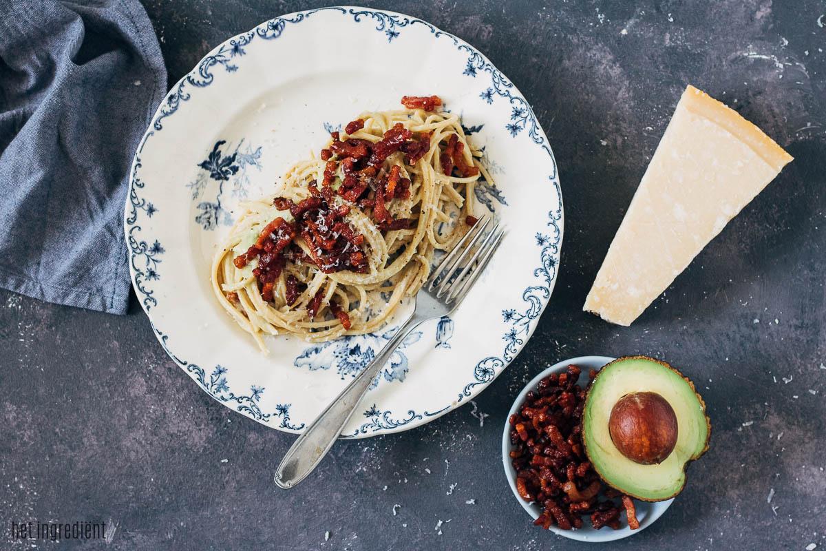 Spaghetti carbonara met avocadosaus