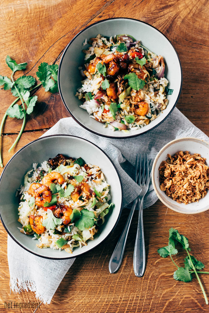 gebakken rijst met garnalen en sinaasappel