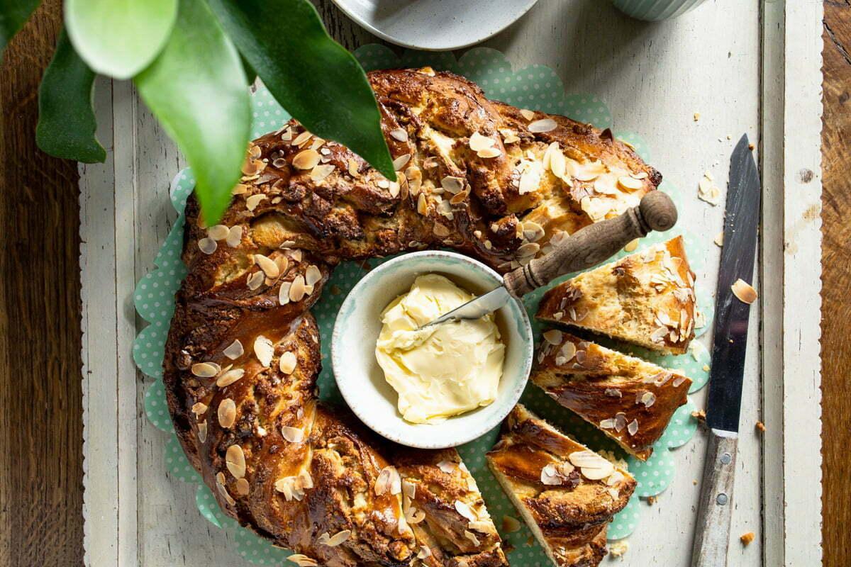 Amandelbrood met amandelspijs