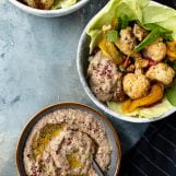 geroosterde bloemkool en paprika salade met baba ganoush