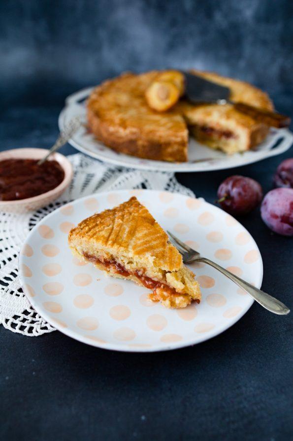 Gâteau Breton aux pruneaux Bretons zandgebak met pruimen