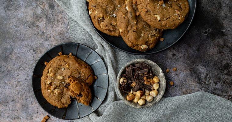 Chocolate chip koeken met hazelnoten en karamel fudge